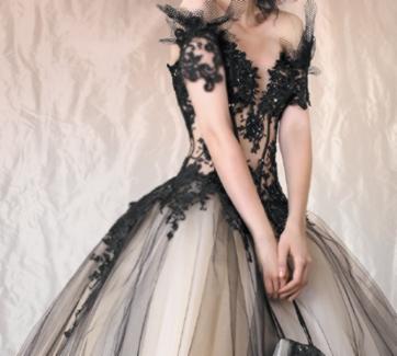 147ef8d4130 Draculia gothic černé plesové šaty na maturitní ples - plesové šaty ...